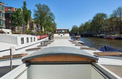Luxe woonschip in het centrum van Amsterdam