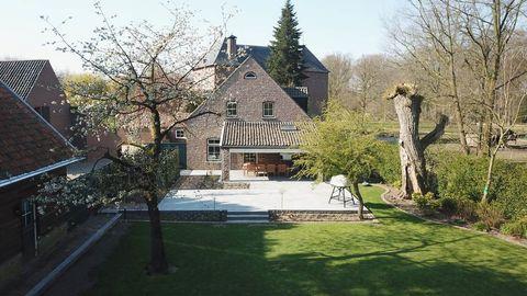 Kasteelhoeve voor 10 personen in Limburg