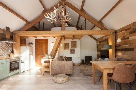 Romantisch boshuisje met houtkachel