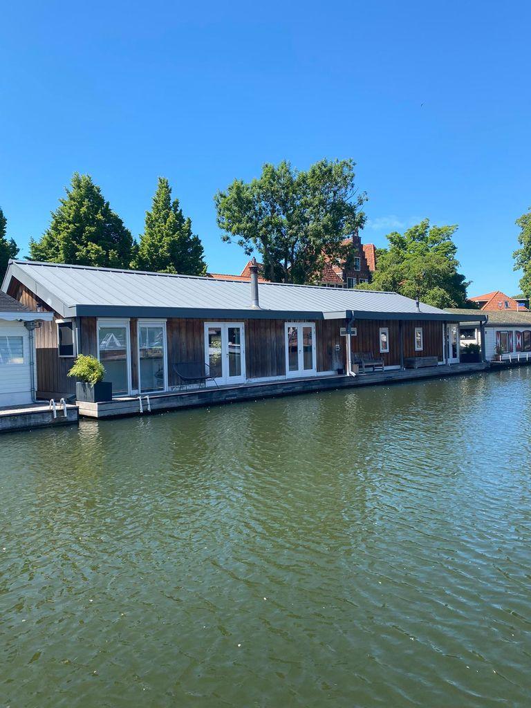Luxe Watervilla in de oude Haven van Hoorn