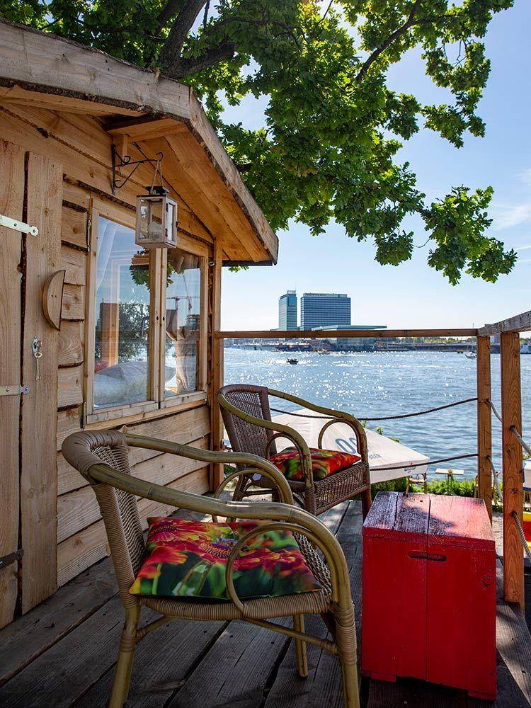 Karakteristieke boomhut in Amsterdam