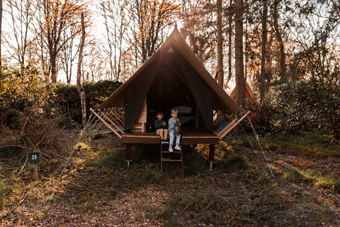 Glamping op festival-achtige pop-up camping