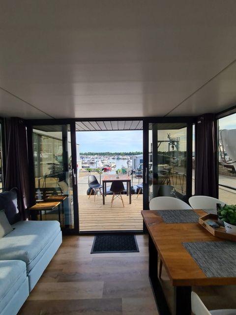 Huisboot vakantie op het water in Limburg