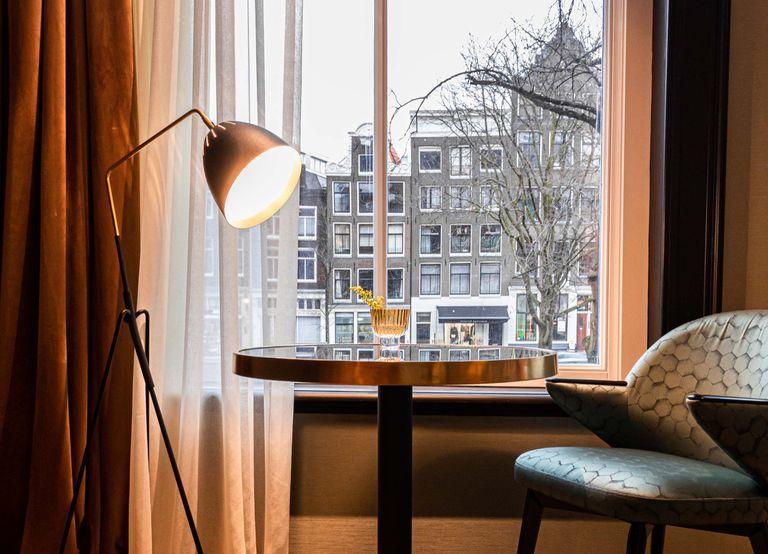 Hotel met uitzicht op Amsterdamse grachten
