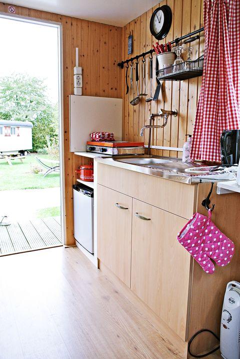 Romantische Pipowagen met bedstede en veranda