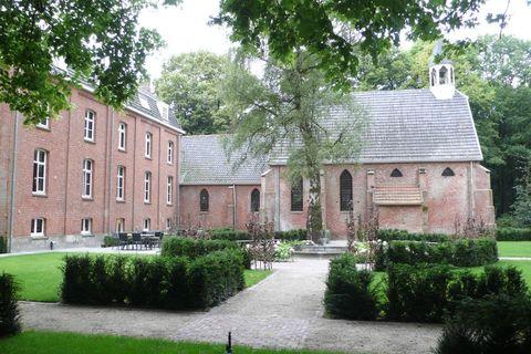 Romantische overnachting in een oud klooster