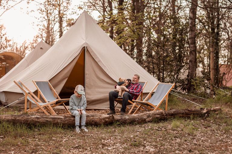 Klassieke safaritent op Nederlandse camping