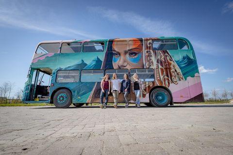 Een week mee op avontuur in deze bus (2p)