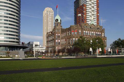 Slapen in een iconisch hotel in Rotterdam.