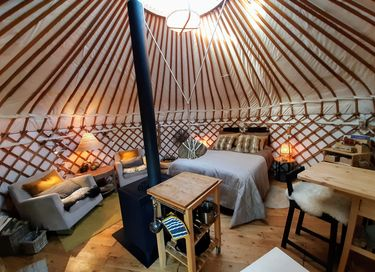 Volledig uitgeruste Yurt in mooie omgeving