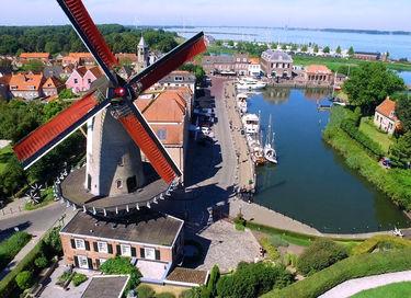 Monumentale molen op historische locatie