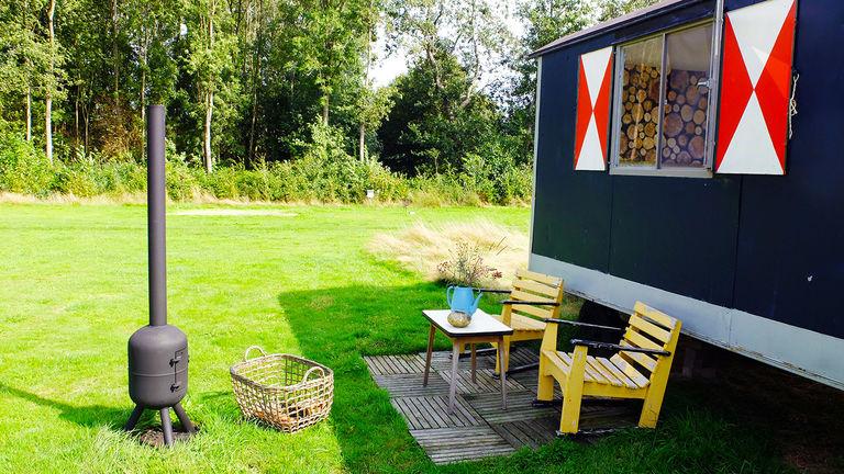Pipowagen op het Friese platteland