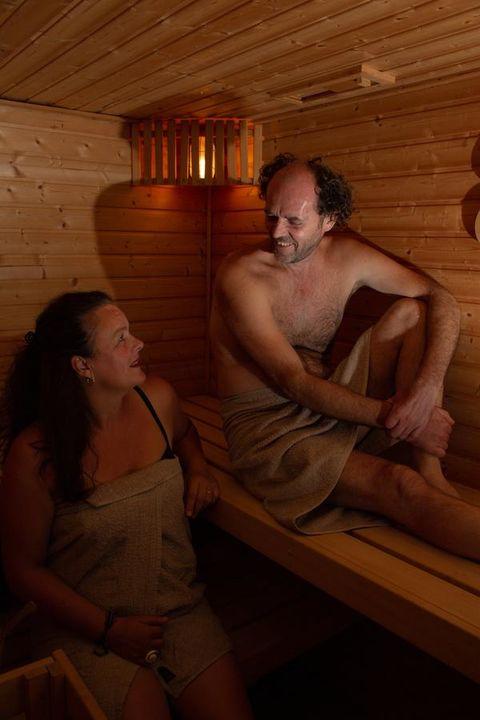 Sauna en jacuzzi in Tiny House/Vakantiehuisje