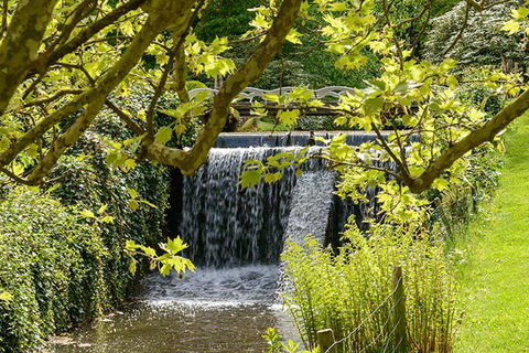 Unieke B&B op een landgoed met waterval