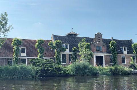 Luxe cottage met design bad aan de Amstel