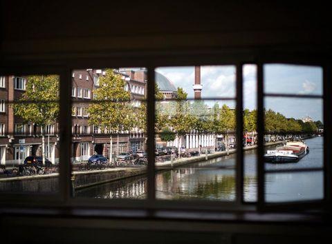 Slapen in een Amsterdams brugwachtershuisje