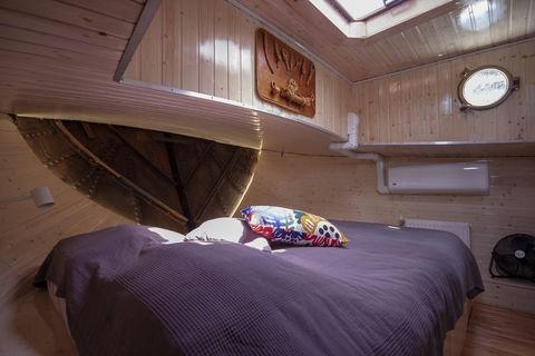 Karakteristieke woonboot met rust en ruimte