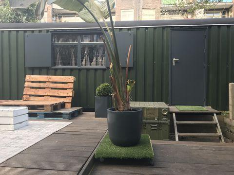 Relaxte pipowagen middenin Amsterdam