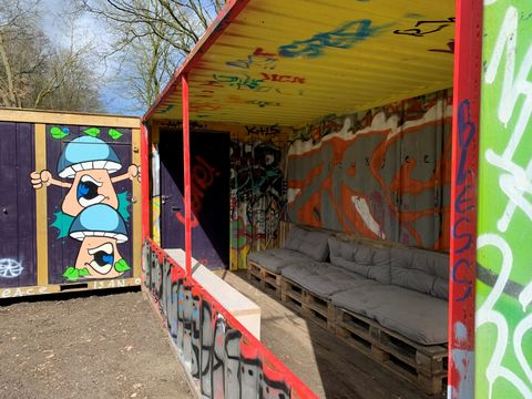 Overnachten in een graffiti container