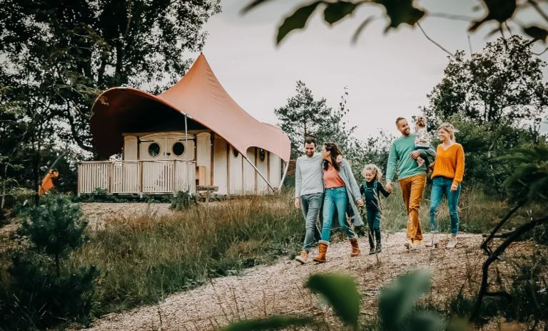 Luxe tent op festival-achtige glamping