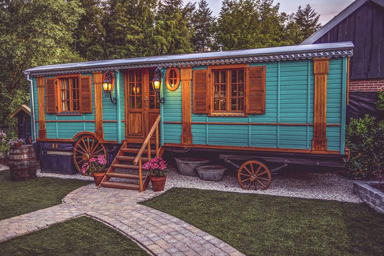 Bijzondere pipowagen met jacuzzi en sauna