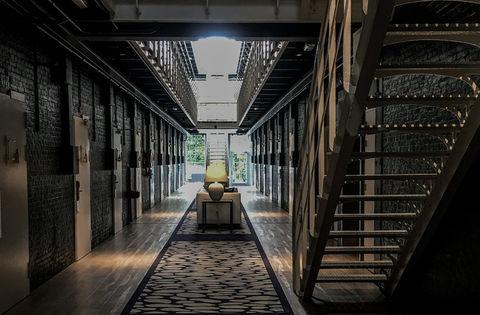 Bijzonder overnachten in een oude gevangenis